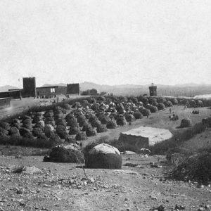 Vue du camp de concentration près de Windhoek. Sud-Ouest africain allemand, Namibie actuelle. 1906. © SZ Photo/ Scherl/ Bridgeman images.