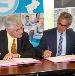 signature d'une convention de partenariat entre le Mémorial de la Shoah et l'Académie de Nantes