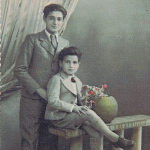 Henri et son frère Roser à Paris en 1941. © Mémorial de la Shoah